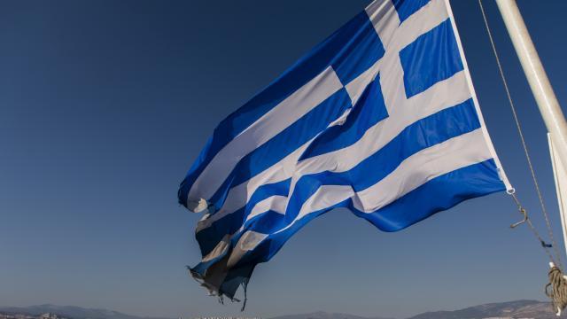 Yunanistan bazı ülkelere karantinayı kaldırdı