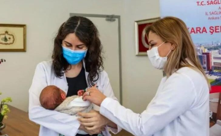Türkiye'nin ilk antikorlu bebeği doğdu