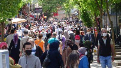 Görüntüler Bursa'dan… Sokaklar doldu taştı