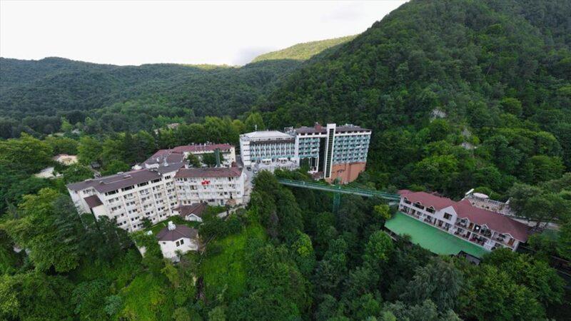 Oylat'ta oteller yeniden hizmete giriyor