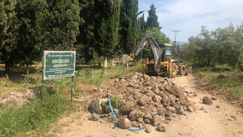 Bursa'da mezarlıklarda yoğun çalışma