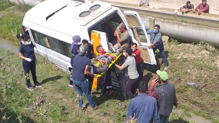 İşçileri taşıyan minibüs kaza yaptı! 2'si ağır 7 yaralı