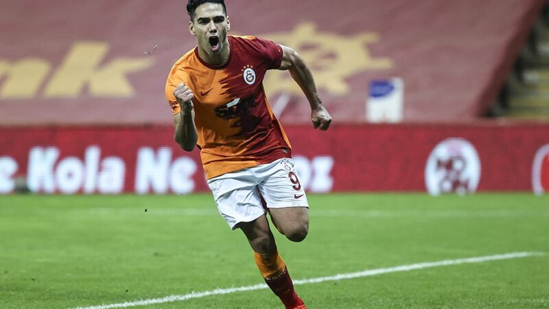 Galatasaray'da Radamel Falcao şoku