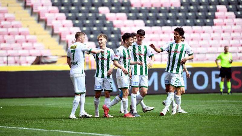 Bursaspor'da 17 isim bu sezon ilki yaşadı
