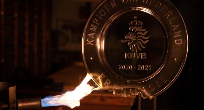 Ajax şampiyonluk kupasını eritti