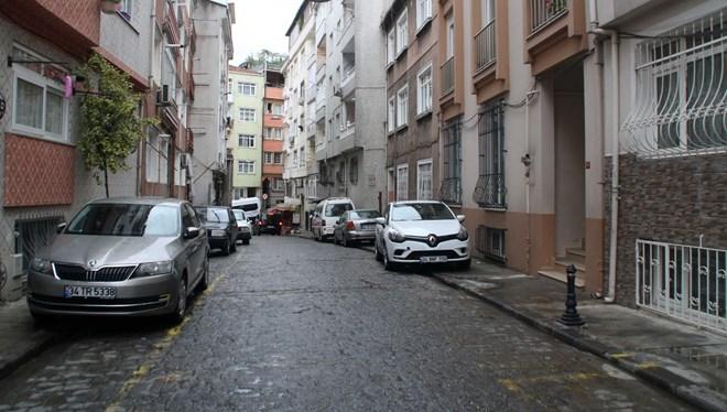 Sokak ortasında eski eşine kurşun yağdırdı
