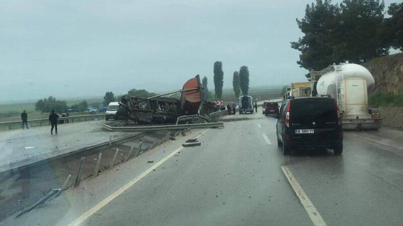 Bursa'da feci kaza! Metrelerce sürüklendi