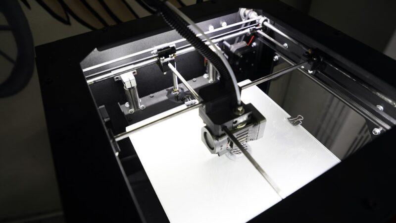Engelli araçlarının parçaları 3D yazıcıyla üretiliyor