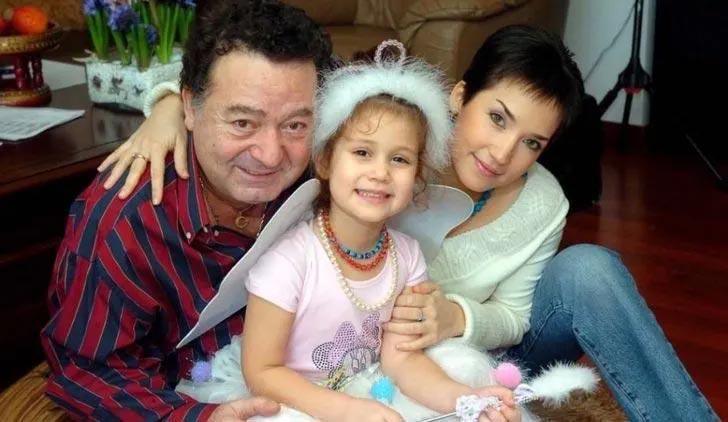 Kayahan ile İpek Açar'ın kızları Aslı Gönül'den duygulandıran mesaj