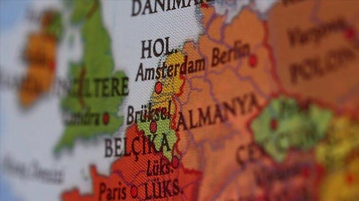Belçika'dan İngiltere'ye botlarla gitmeye çalışan onlarca göçmen kurtarıldı