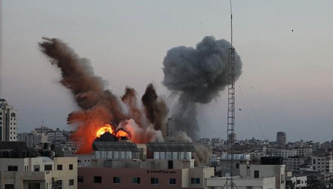 İsrail bakanlık binasını vurdu