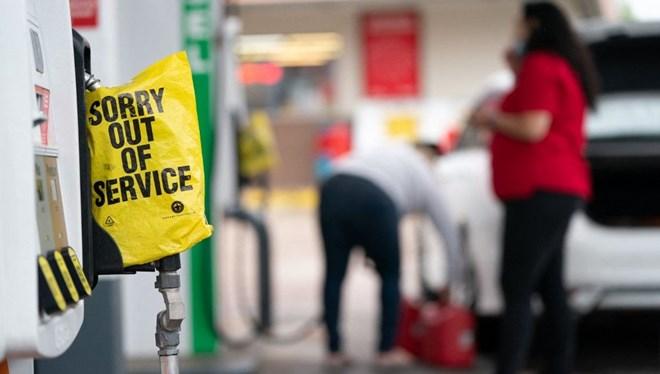 ABD'de petrol sıkıntısı: Benzini poşete koymayın uyarısı yapıldı