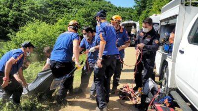 Bursa'da kayıp olarak aranıyordu! Gölete uçan aracında cesedi bulundu