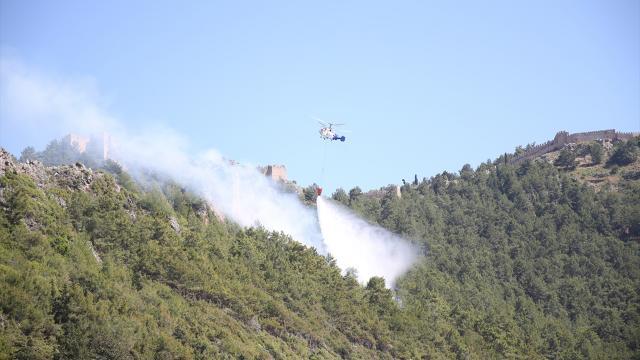 Alanya'da çıkan orman yangını korkuttu