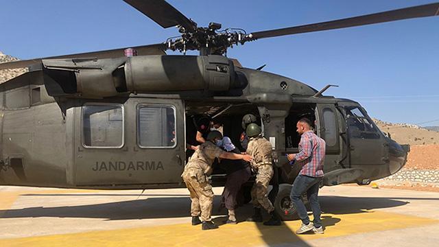 Askeri helikopter akrebin soktuğu kadın için havalandı