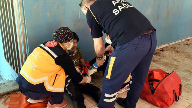 Pazaryerinin çatısından terasa düşen çocuk yaralandı