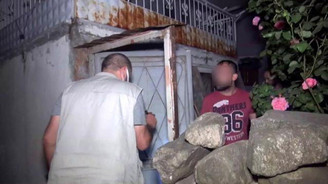 Bursa'da polisi harekete geçiren ihbar! Gece yarısı baskın düzenlendi