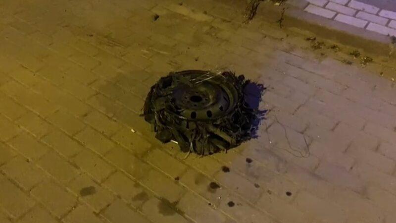 Bursa'da park halindeki aracın lastiğini söküp kendi aracına taktı