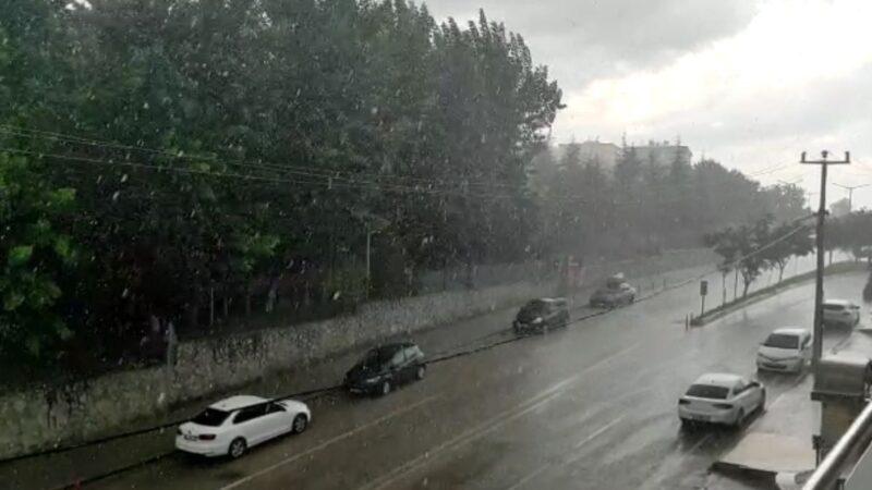 Bursa'da dolu yağdı! Ceviz büyüklüğünde…