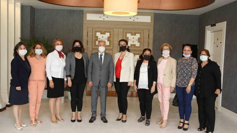 CHP Nilüfer Kadın Kolları'nın yeni yönetimi kolları sıvadı…