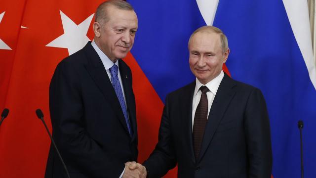 Erdoğan ve Putin Sputnik V aşısını görüştü