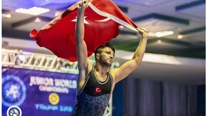 Erkan Ergen, U23 Avrupa Güreş Şampiyonası'nda bronz madalya kazandı