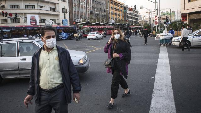İran'da 200 kişi daha koronavirüsten öldü