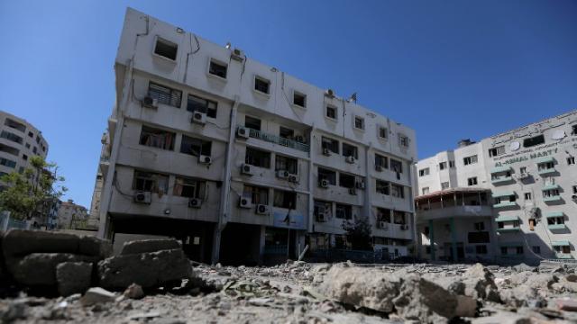 İsrail'in sağlık kurumlarını vurduğu Gazze'de COVID-19 alarmı