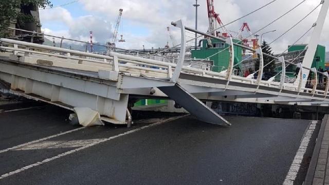 Köprü çöktü! Facia ucuz atlatıldı