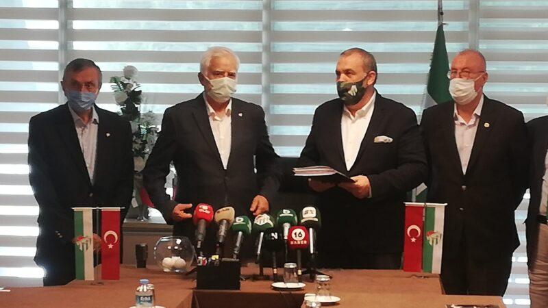 Bursaspor'da adaylar geliyor! İşte Erkan Kamat'ın listesi!