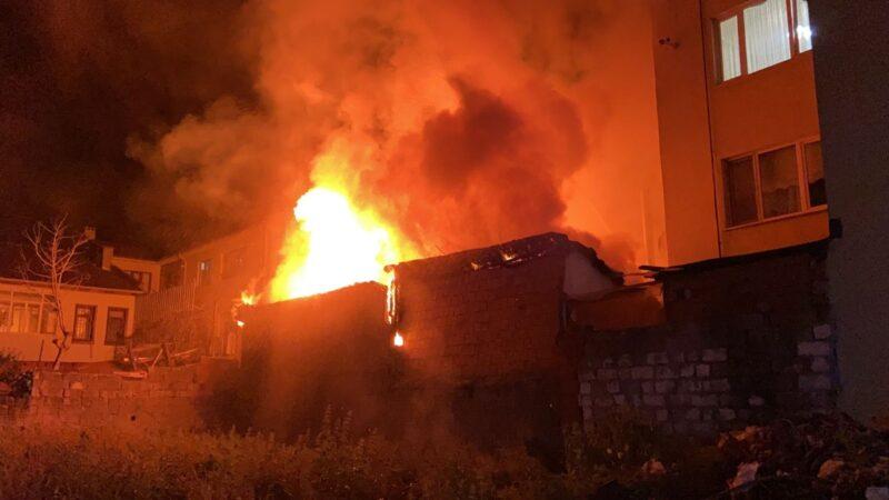 Bursa'da kavga eden kardeşler yangın çıkardı