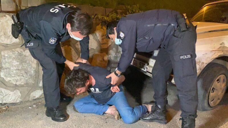 Yer: Bursa… Duvara çarpan sürücü ile polis arasında ilginç diyalog