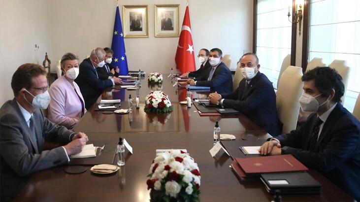 Bakan Çavuşoğlu, AB İçişleri Komiseri ile görüştü