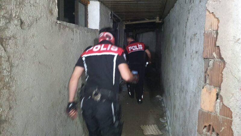 Bursa'da 100 polisle yapılan baskında 11 kişiye ceza yağdı