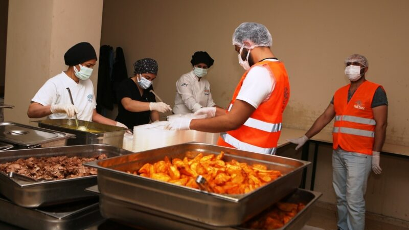 Nilüfer'de vatandaşa sıcak yemek desteği