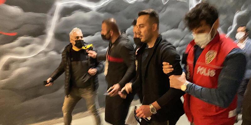 Beşiktaş'ın maçında kavga! Ünlü oyuncunun menajeri gözaltında…