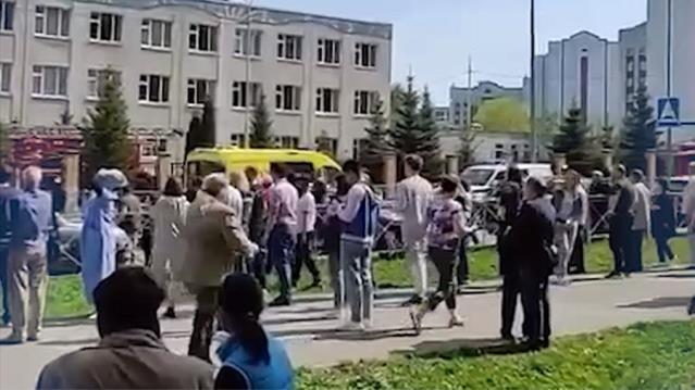 Rusya'da okula silahla saldırı! Çok sayıda ölü var…