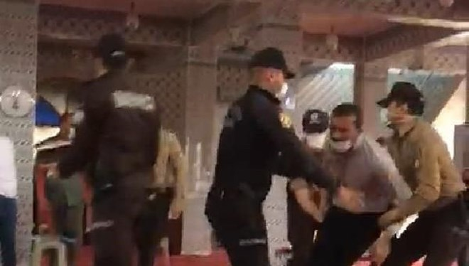 3 camide sivil itaatsizlik eylemi: 76 gözaltı