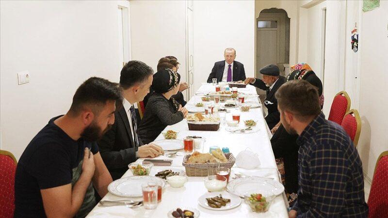 Cumhurbaşkanı Erdoğan'dan sürpriz iftar ziyareti
