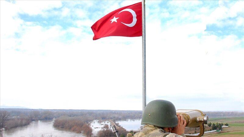 Yunanistan'a geçmeye çalışan 2'si PKK'lı 5 kişi yakalandı