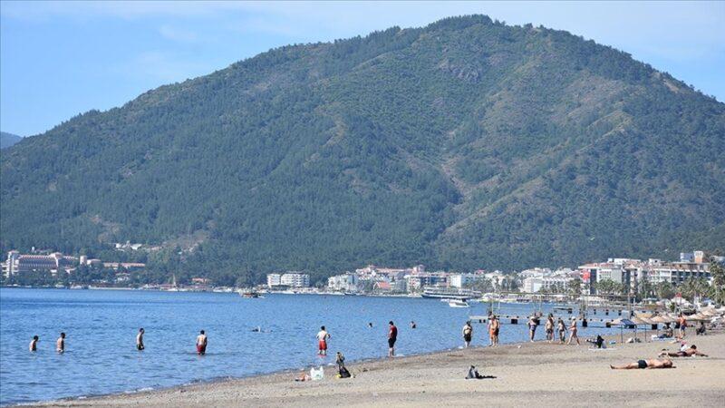 Antalya ve Muğla'nın sahillerinde yoğunluk