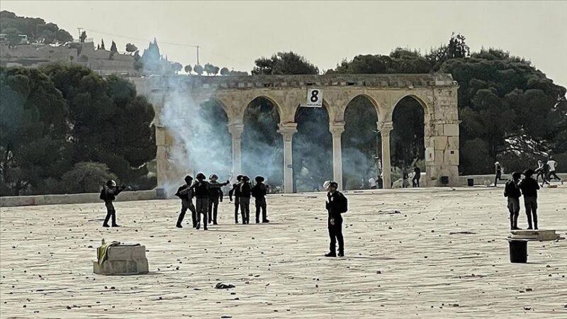 Mescid-i Aksa'ya İsrail baskını: Yüzlerce yaralılar var