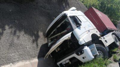 Bursa'da bir tır kazası daha! O yol trafiğe kapandı…