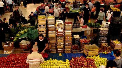 Bursa'da vatandaşlar pazarlara akın etti…Marketlerin büyük oyunu