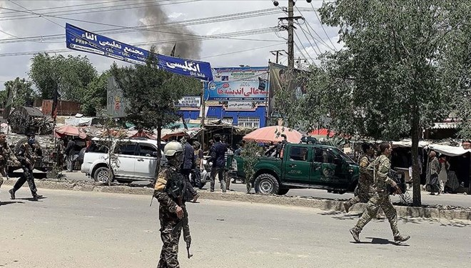 Afganistan'da camiye bombalı saldırı: En az 12 ölü