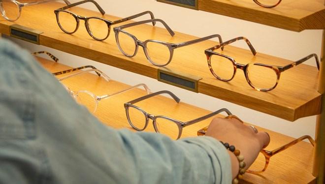 Tam kapanmada gözlükçü tartışması