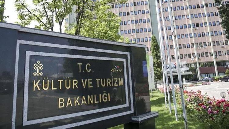Kültür ve Turizm Bakanlığı: Tiyatro sanatçılarının bilgileri Sağlık Bakanlığı ile paylaşılacak