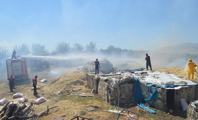 Buğday tarlası yandı! 4 kişi hastanelik oldu