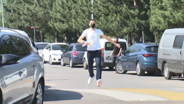Bursa'da koşarak geldi, saniyelerle sınavı kaçırdı