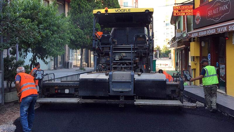 Reyhan Caddesi sıcak asfaltla yenilendi